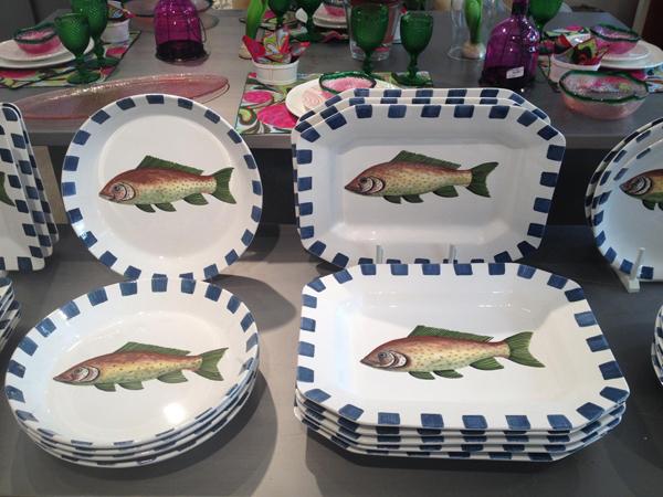 Acabamos de recibir estas fuentes de peces pintadas a mano for Fuentes con peces